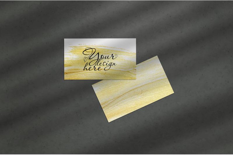 Free Business card Mockup. Natural overlay lighting shadows (PSD Mockups)