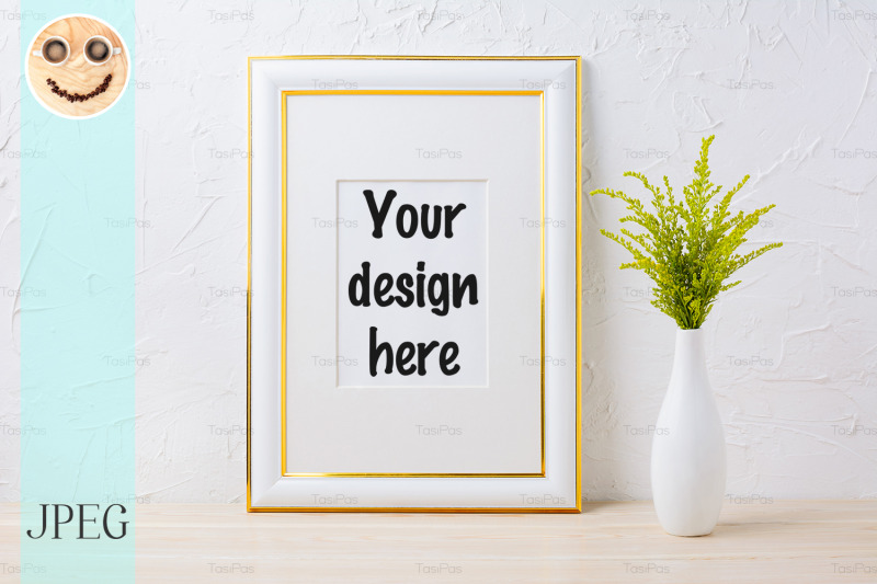 Free Gold decorated frame mockup with ornamental grass in exquisite vase (PSD Mockups)