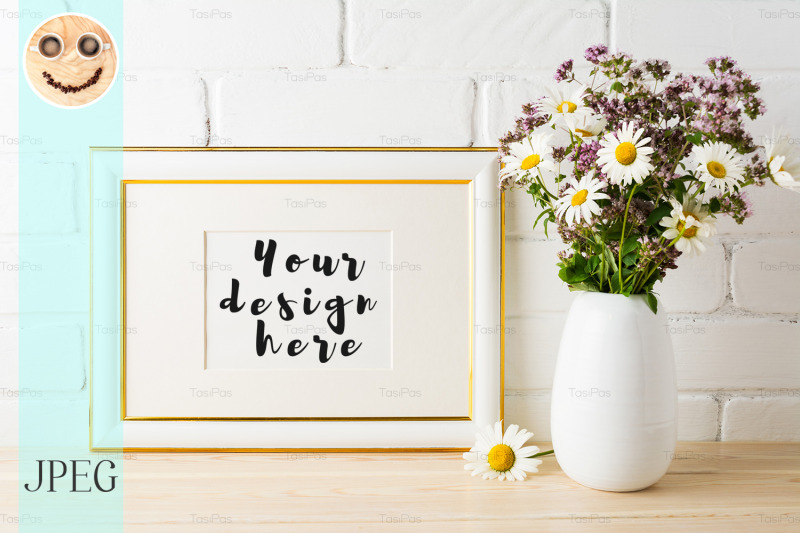 Free Gold decorated landscape frame mockup with wildflowers (PSD Mockups)