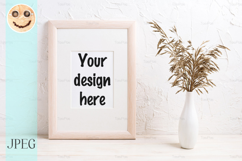 Free Wooden frame mockup with dried grass (PSD Mockups)