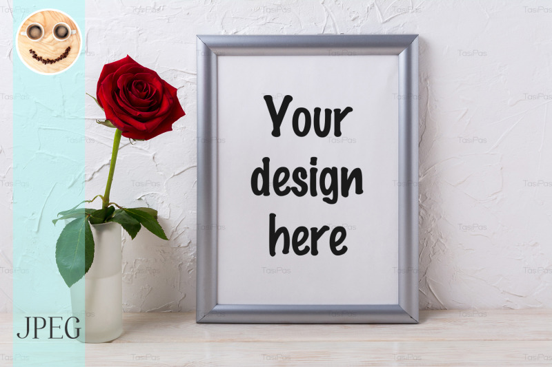 Free Silver frame mockup with red rose in glass vase (PSD Mockups)