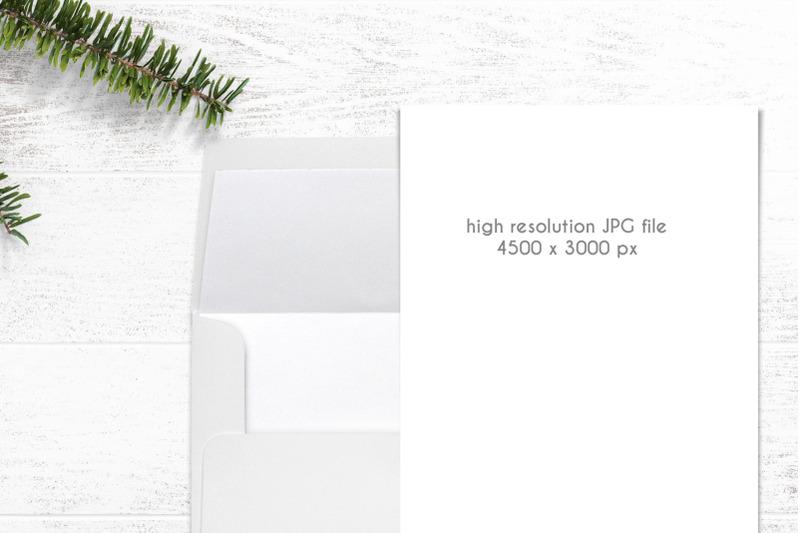 card-with-envelope-mockup-0012