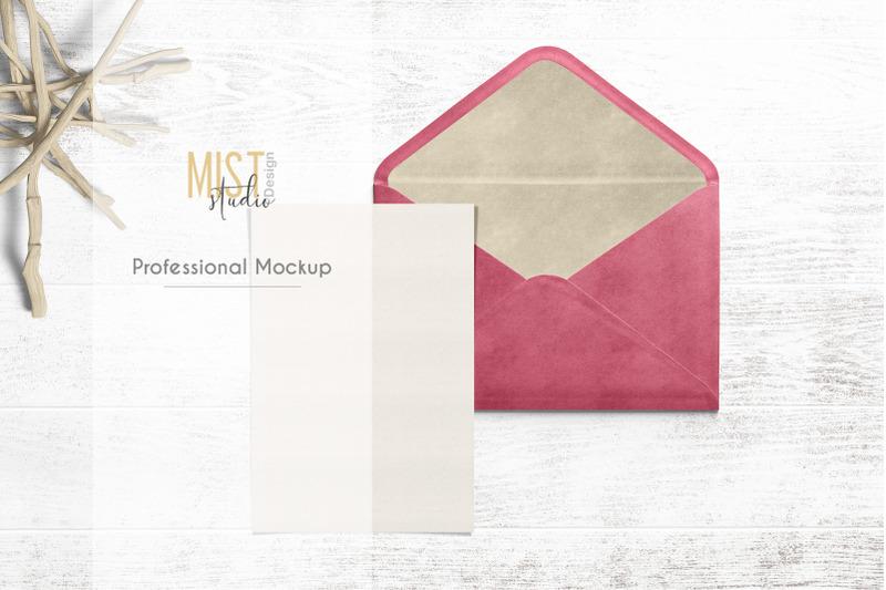 card-with-envelope-mockup-0017