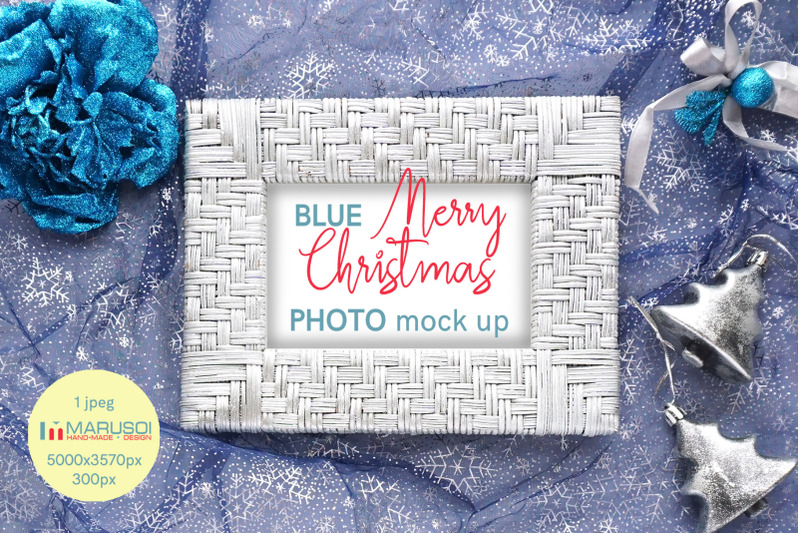 Free BLUE Merry Christmas (PSD Mockups)