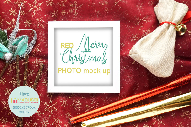 Free RED Merry Christmas (PSD Mockups)