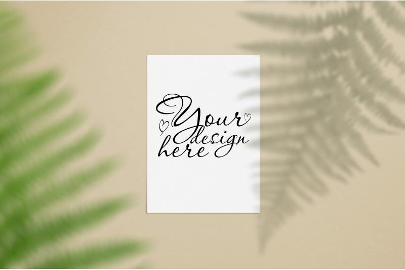 Free Stationery mockup with fern leaf and shadow (PSD Mockups)