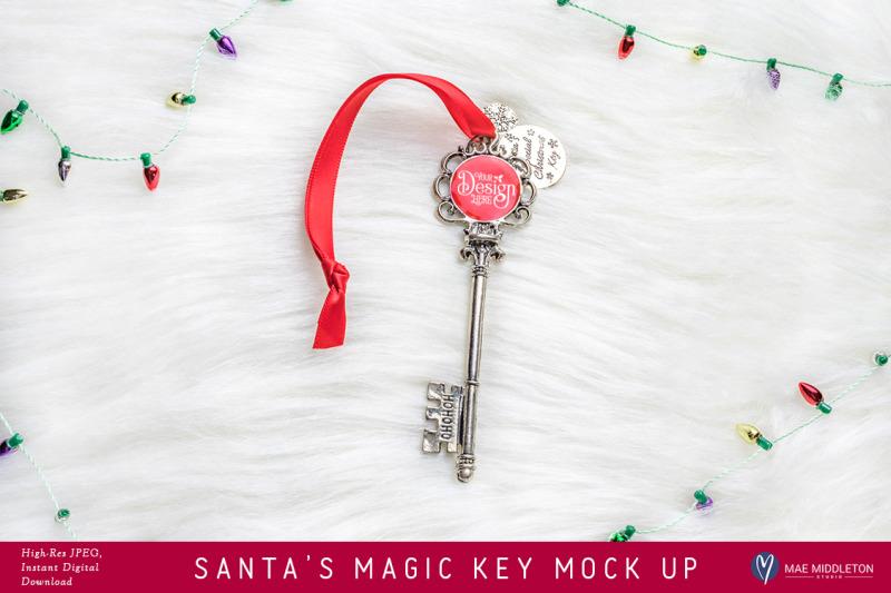 santa-039-s-magic-key-lights-mock-up-styled-photo