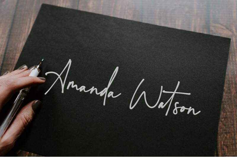 montreuil-signature-font