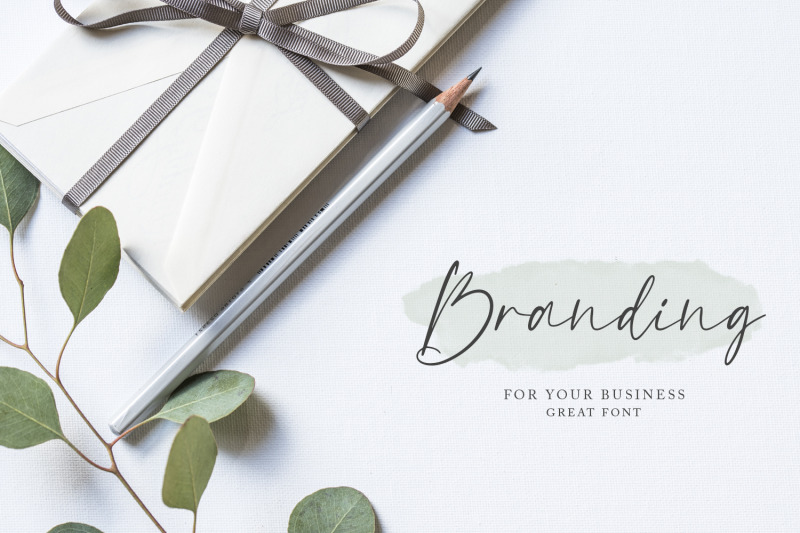 borderline-calligraphy-font