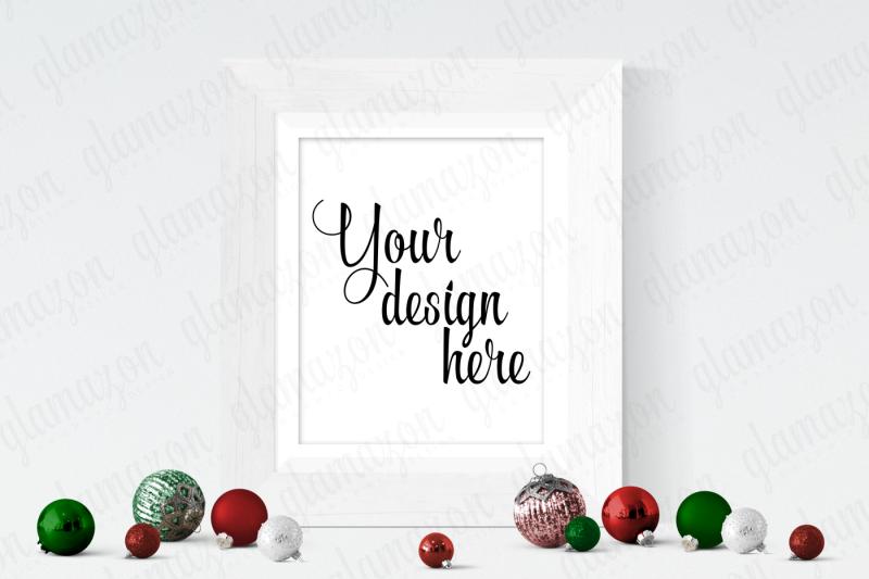 Free Vertical Christmas Frame Mock Up (PSD Mockups)