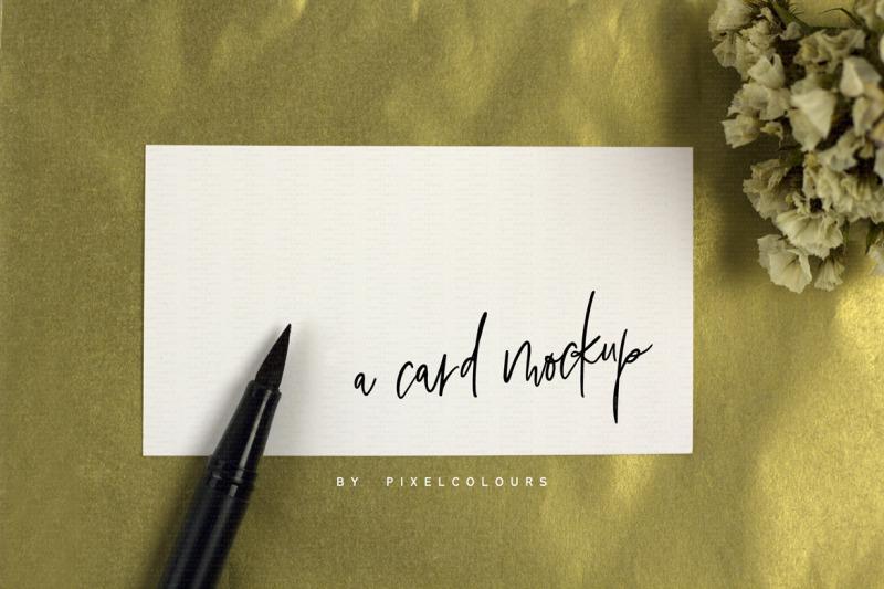 feminine-business-card-mockup-gold