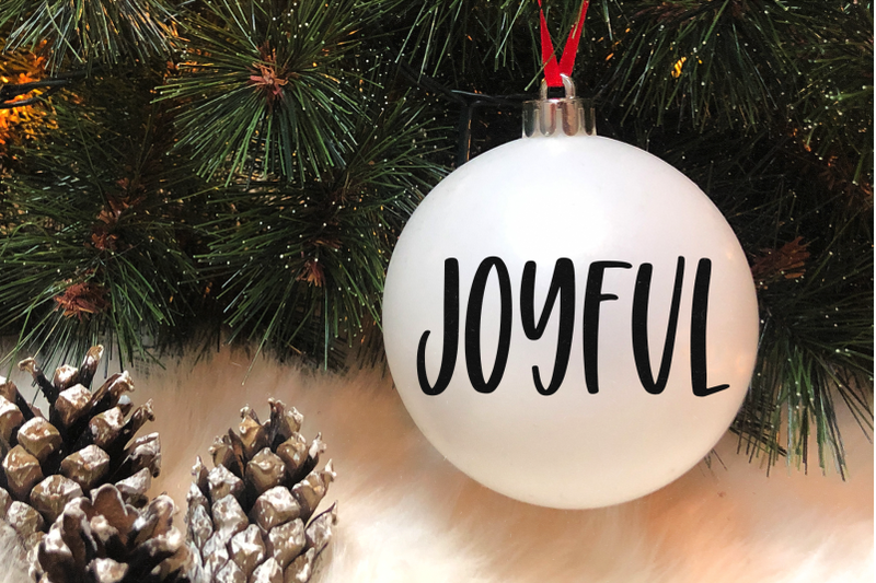 holiday-season-fun-handwritten-font