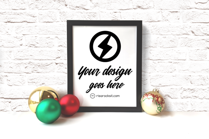 picture-frame-with-christmas-ornaments-png-mock-up