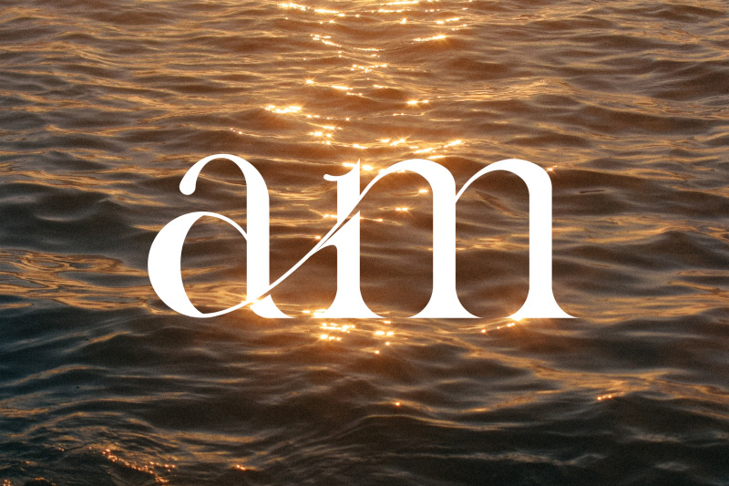 gyahegi-modern-serif-typeface