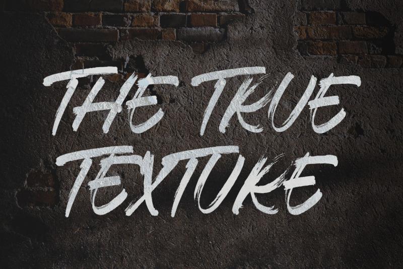 thosca-brush-font