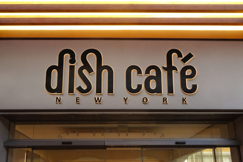 roshmary-display-sans-serif-font