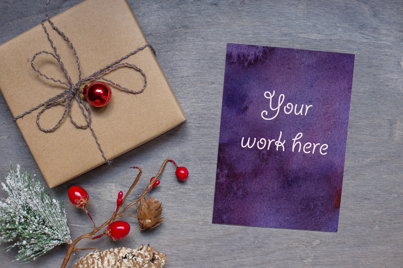 Free PSD Christmas mock up with a gift (PSD Mockups)