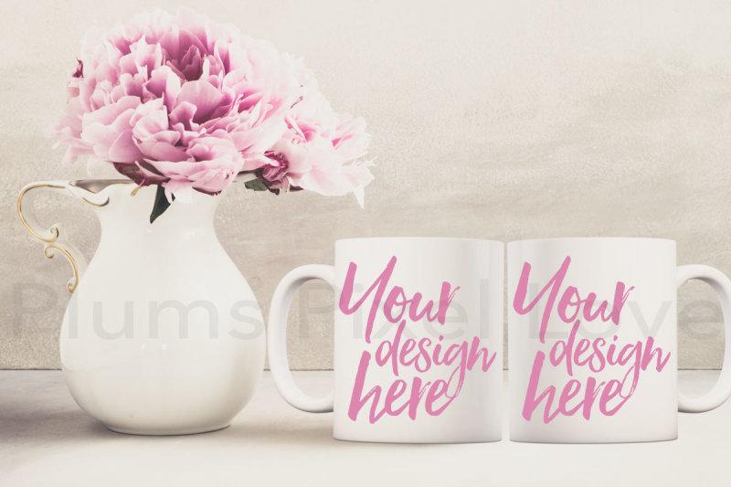 2-pretty-floral-styled-mug-mockups