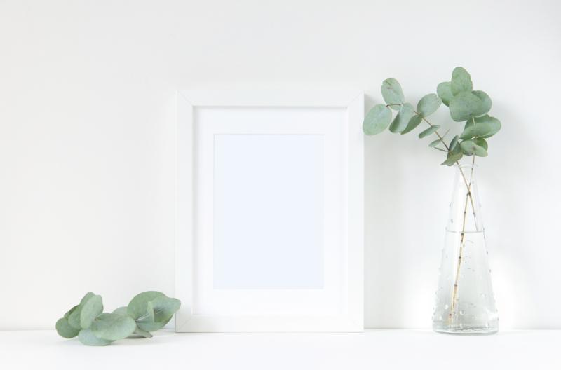 white-frame-mockup