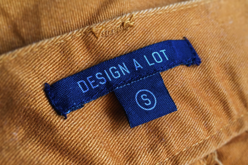 Free Canvas Jeans Label (PSD Mockups)