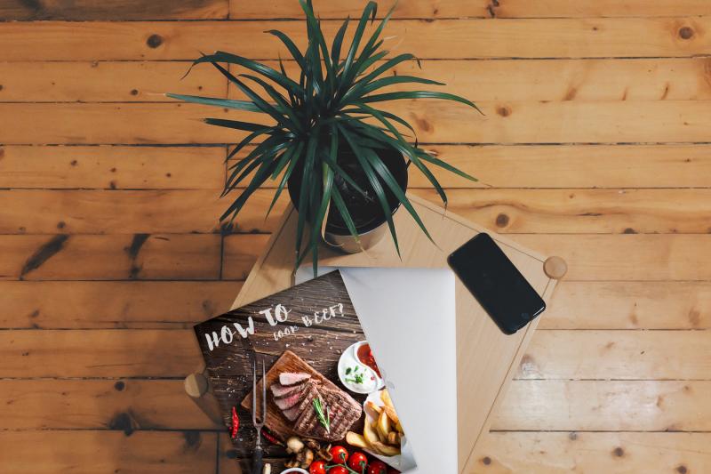 Free Book's cover Mockup (PSD Mockups)