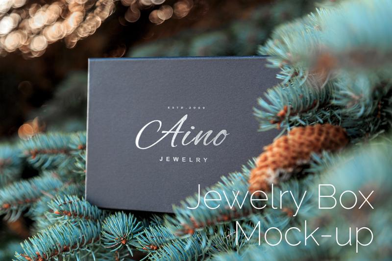 Free Jewelry Box Mock Up (PSD Mockups)