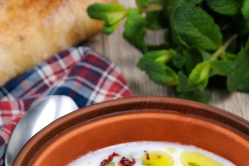 yoghurt-soup-with-mint