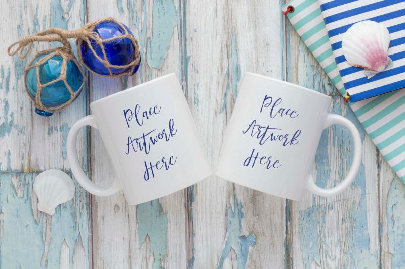 Free Double Mug Mockup blue weathered wood (PSD Mockups)