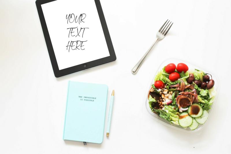 ipad-with-salad-motivational-journal