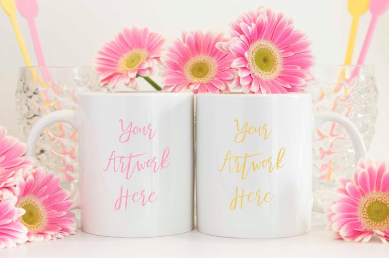 Free Pink and Yellow Double Mug Mockup (PSD Mockups)