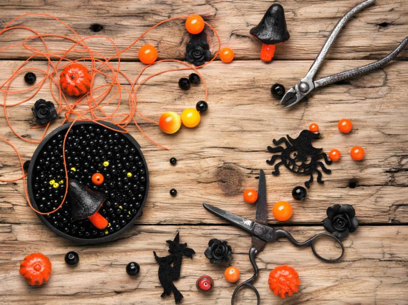 making-jewelery-for-halloween